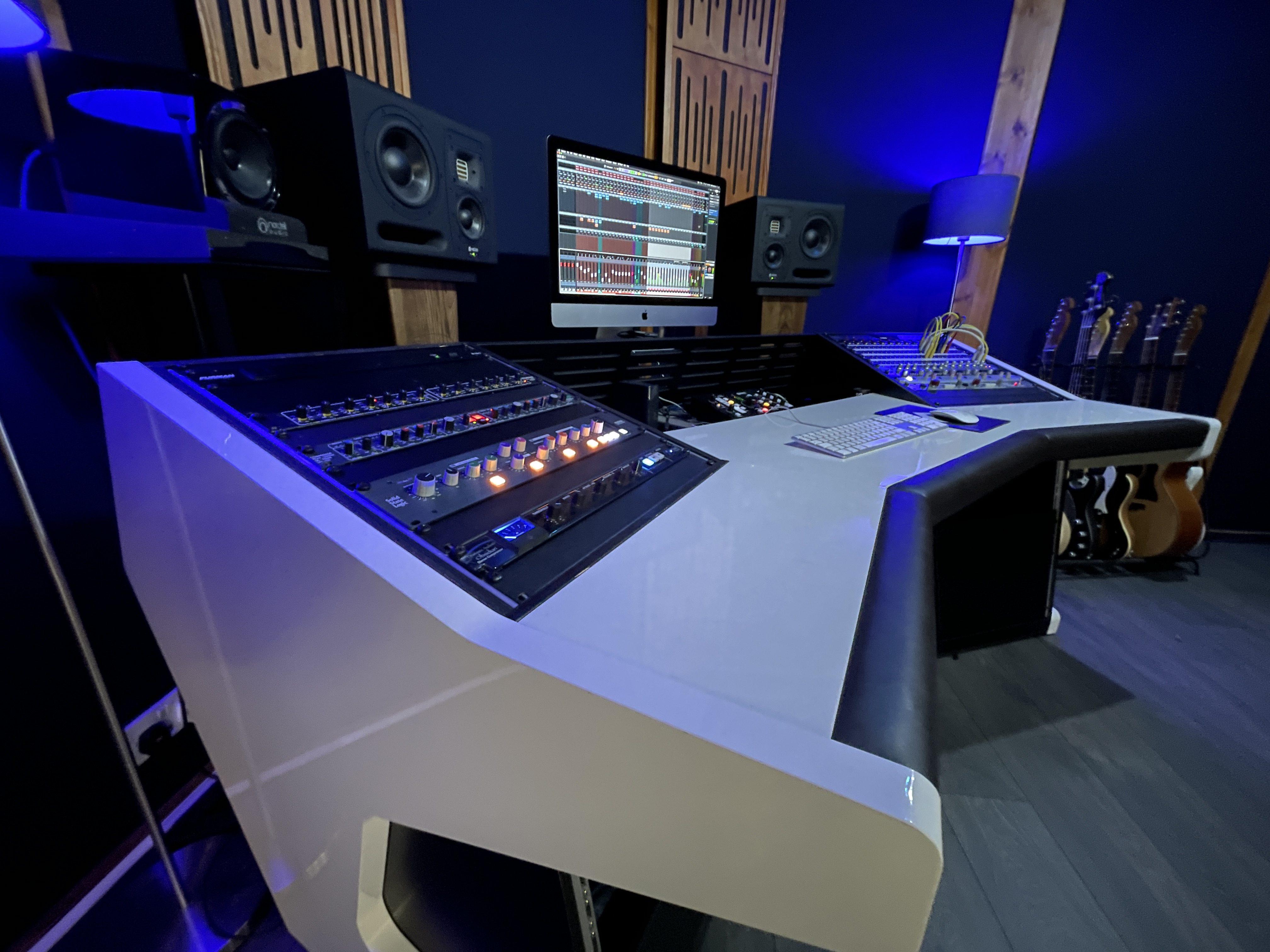 6dB Studios Ltd.